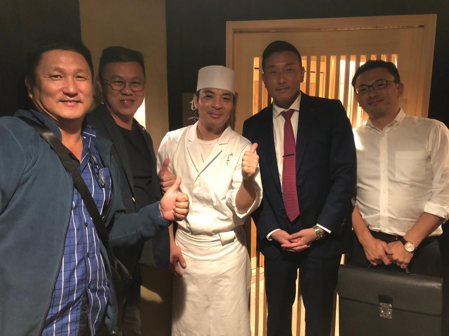 マレーシアのお客様と株式会社ENGと鮨むらやま